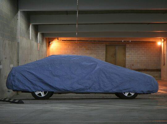 Univerzalna cerada za auto